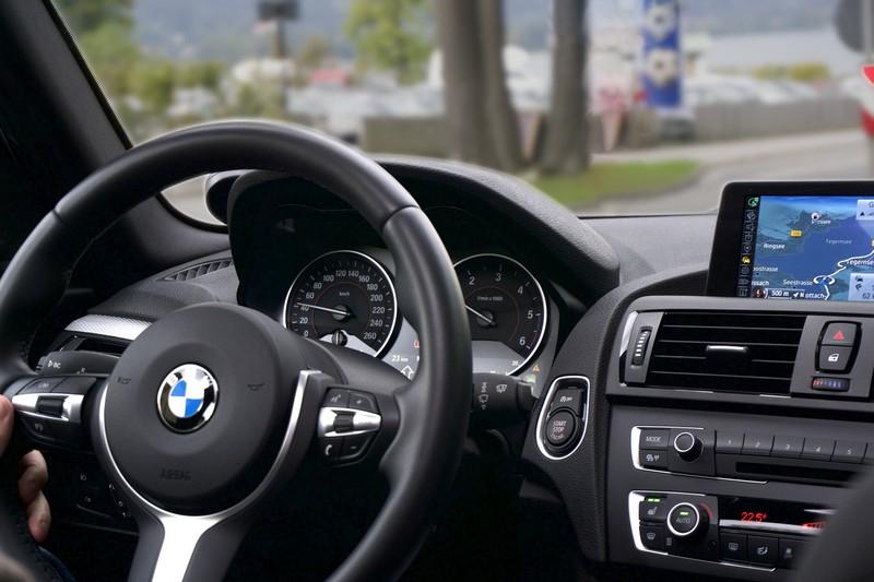 Neuwagen: So fährst du dein Auto richtig ein