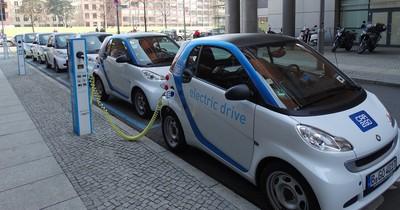 Fahren wir bald mit Wasserstoffautos statt E-Autos?
